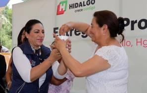 Directora del Sistema DIF Hidalgo realiza entrega de proyectos productivos4
