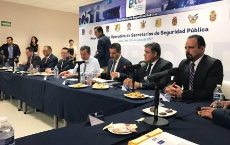 Participa Mauricio Delmar en reunión de coordinación operativa interestatal.jpg