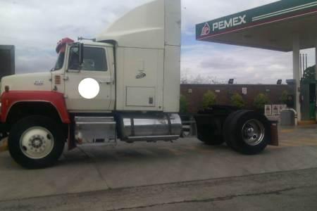 Policía de Tizayuca recupera un tracto camión y una motoneta