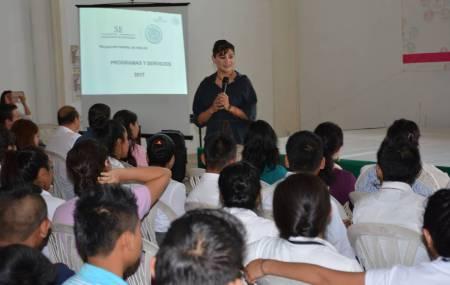 Politécnica de Huejutla recibió visita de la delegada federal de economía en Hidalgo1