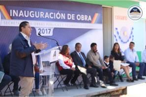 Raúl Camacho entrega obras en beneficio de la localidad de El Velillo