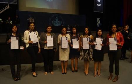 Reciben premio nacional de excelencia 21 alumnos de UAEH 2