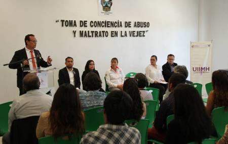 """SEPH imparte conferencia """"Dignificación de la Vejez"""""""