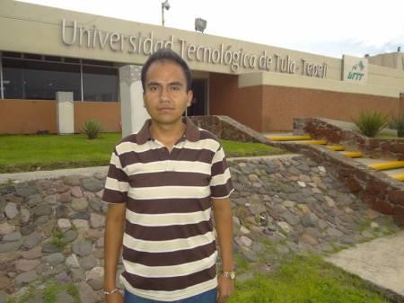 Alumno de la UTTT becado para realizar
