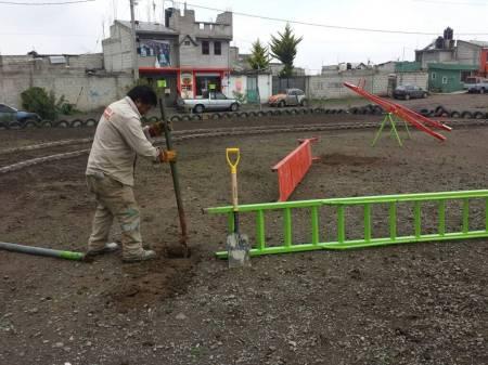 Ayuntamiento de Pachuca lleva a cabo la construcción de un parque en la colonia Luz del Carmen2.jpg