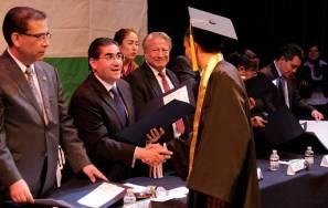 Entrega de certificados a graduados del CECYTEH, Plantel Mineral del Chico1