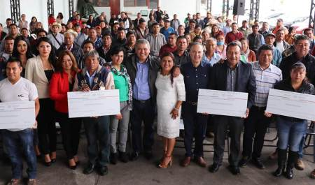 Entregan en 12 municipios de Hidalgo recursos públicos a través de 3x1 para migrantes