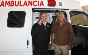 Gabriel García Rojas dona una ambulancia a ejidatarios2