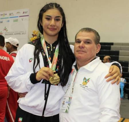 Gabriela Canales al Panamericano de luchas asociadas .jpg