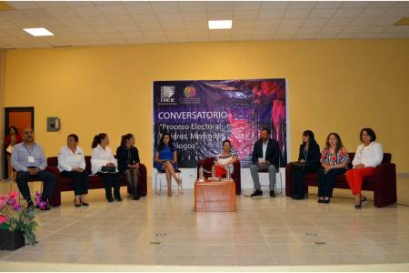 """IEEH realiza en la UTVM el Conversatorio """"Mujeres, Memorias y Diálogos"""""""
