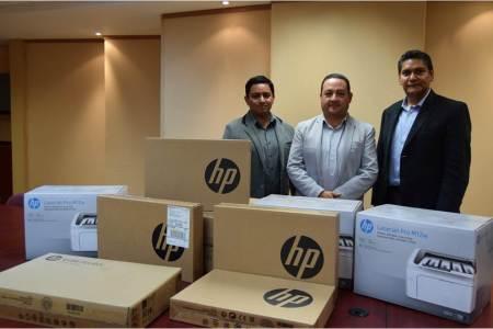 IEEH recibe premio; le entregan equipo de cómputo con el Proyecto PREP2
