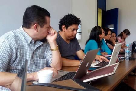Imparten en ICSa taller de software para análisis de datos