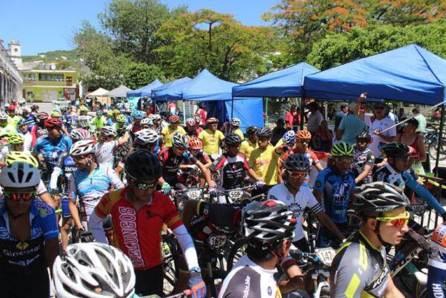 Metztitlán recibió a los mejores pedalistas en la 13 fecha del Serial Hidalguense de MTB4