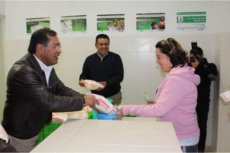 Sánchez Olvera inauguró lechería en Mineral de la Reforma, beneficiando a 121 familias