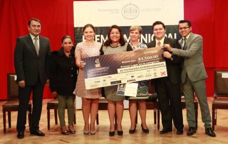 Alcaldía de Pachuca reconoce  a jóvenes proactivos y emprendedores2.jpg