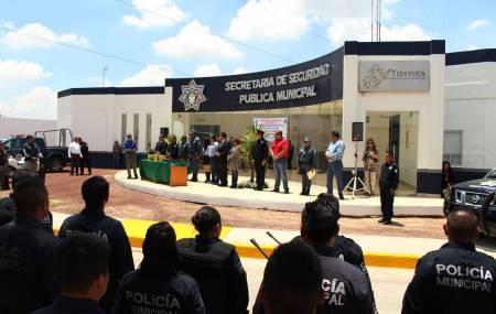 Alcalde de Tizayuca entrega uniformes a elementos de la Secretaría de Seguridad Pública3