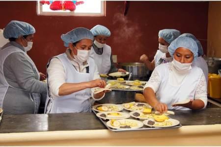 Capacitan a personal de cocina del Sistema DIF Pachuca
