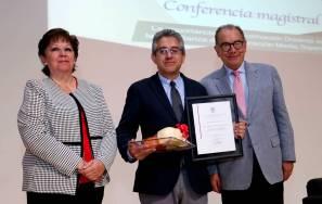 Destaca ponente en UAEH importancia de formación docente 1
