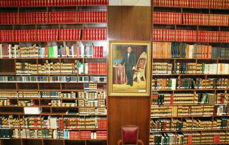 Donación del INEHRM enriquece a la Biblioteca del Poder Judicial2