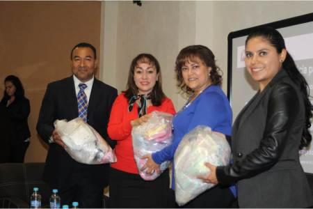 Entrega Contraloría donación al Centro de Justicia para Mujeres.jpg