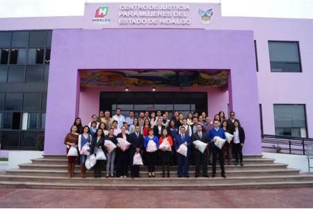 Entrega Contraloría donación al Centro de Justicia para Mujeres2