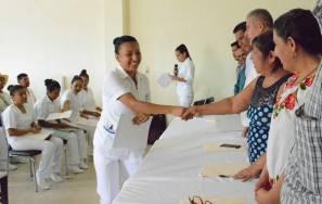 Entregan certificados a intérpretes por el Día Internacional de los Pueblos Indígenas1