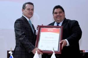 Entregan Mérito Editorial Universitario a la Autónoma de Nuevo León