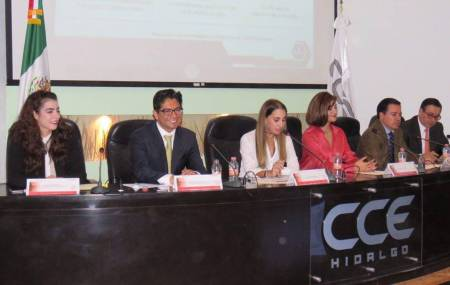 Exhorta titular de la SEDECO a trabajar gobierno, academia y sector privado en favor del emprendimiento hidalguense1.jpg