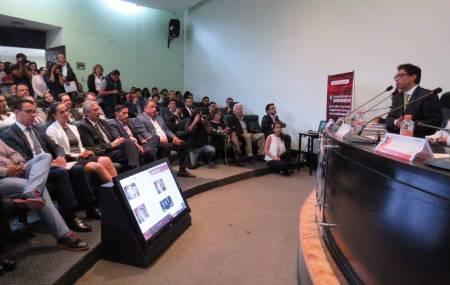 Exhorta titular de la SEDECO a trabajar gobierno, academia y sector privado en favor del emprendimiento hidalguense2.jpg