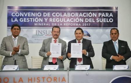 Firma Mineral de la Reforma y el INSUS convenio de  colaboración para la regulación del suelo 1.jpg
