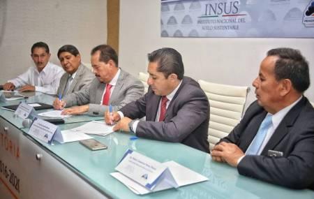 Firma Mineral de la Reforma y el INSUS convenio de  colaboración para la regulación del suelo 3.jpg