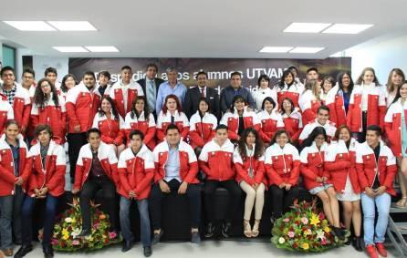Gabriel García Rojas despide a estudiantes de la UTVAM que obtuvieron beca para Canadá y Estados Unidos4