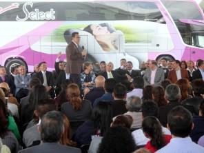 Omar Fayad encabeza banderazo de salida de autobuses Futura Selec