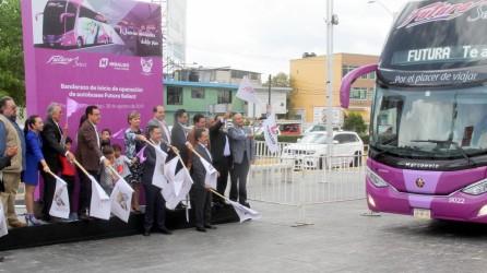 Omar Fayad encabeza banderazo de salida de autobuses Futura Selec5