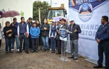 Raúl Camacho encabeza banderazo del inicio de la obra de pavimentación 2