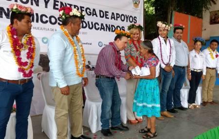 Realiza director general del IHEA gira por la Huasteca hidalguense .jpg