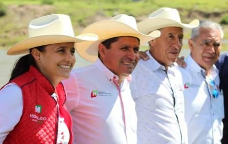 Sedagroh entrega más de 47 mil crías de carpa a productores de Santiago Tulantepec1