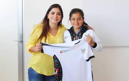 Ximena Figueroa al Centroamericano en tenis de mesa 2.jpg