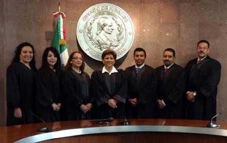 Actuar con valentía y honor, pide a nuevos jueces la presidenta del TSJEH1.jpg