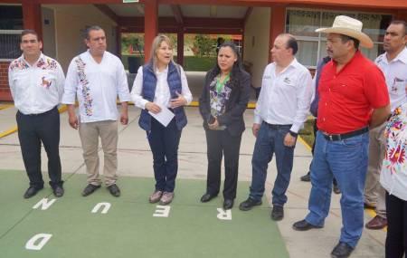 Colocan la primera placa de la UNIDEH en plaza comunitaria del IHEA en Tenango de Doria2
