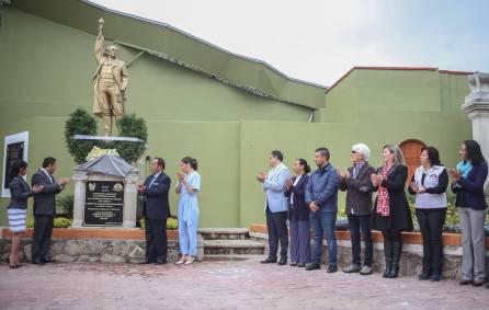 Devela Raúl Camacho placa conmemorativa al 196 Aniversario de la Consumación de Independencia 3
