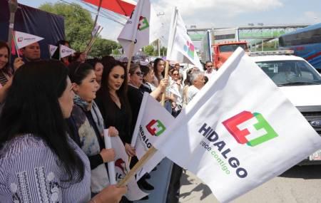 DIF Hidalgo realiza banderazo de salida a camiones que transportan toneladas de ayuda 2