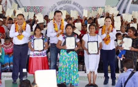 En la Montaña de Guerrero, SEGOB y CDI entregaron mil 500 actas de nacimiento1.jpg