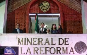 Encabeza Raúl Camacho Baños tradicional Grito de Independencia 3