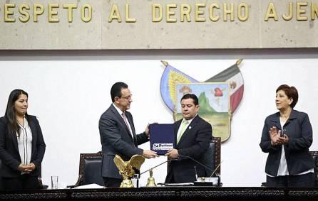 Entrega Omar Fayad Primer Informe de labores al Congreso de Hidalgo3