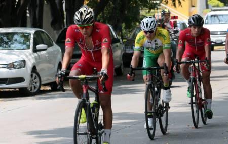 Fernando Islas listo para el Campeonato Mundial de Ciclismo de Ruta 3