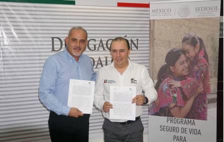 Firman Convenio de colaboración entre el IHEA y SEDESOL la cual beneficiará a jefas de familia .jpg