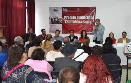 Gabriel García Rojas entrega el Premio Municipal de Contraloría Social2