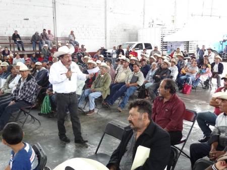 Gestiona CNC incentivos de apoyo a productores de maíz y frijol en Acatlán2.jpg