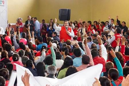 La ciudadanía reconoce el trabajo y el compromiso del gobernador, Pineda Godos